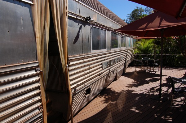 Silver_Star_Cafe,_Port_Hedland,_exterior,_2012_(3)